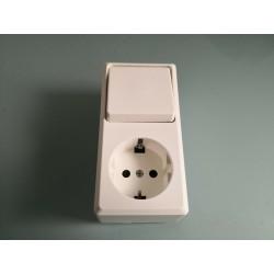 Schalter / Steckdose Kombination AP weiß